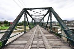 Il vecchio ponte del ferro fotografie stock libere da diritti