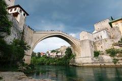 Il vecchio ponticello a Mostar Immagini Stock
