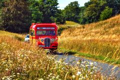 Il vecchio tursitbus immagini stock libere da diritti