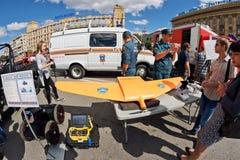 Il veicolo aereo senza equipaggio per controllare gli incendi violenti fotografia stock