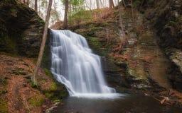 Il velo nuziale cade in Bushkill Pensilvania Fotografie Stock