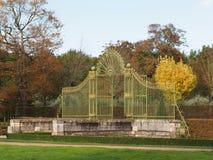 Il verde e l'oro hanno forgiato il cancello del ferro, Francia Immagine Stock Libera da Diritti
