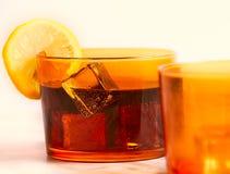 Il vetro di soda compreso ghiaccia e limone immagini stock libere da diritti