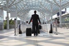 Il viaggio dell'uomo di affari sceglie dove andare, concetto di successo Fotografie Stock