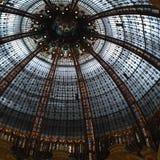 Il viaggio di Europa di vetro del tetto di Parigi del centro commerciale del negozio scopre Fotografie Stock