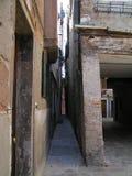 Il vicolo più stretto a Venezia, Italia Fotografie Stock Libere da Diritti