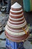 Il Vietnam - Hanoi - cappelli conici da vendere Fotografie Stock Libere da Diritti