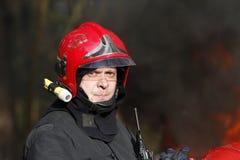 Il vigile del fuoco coraggioso Fotografie Stock Libere da Diritti