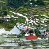 Il villaggio alloggia vicino ai campi dei terrazzi del riso Struttura astratta stupefacente Banaue, Filippine Fotografie Stock