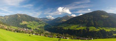 Il villaggio alpino di Alpbach e del Alpbachtal, Austria Immagine Stock Libera da Diritti
