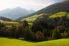 Il villaggio alpino di Alpbach e del Alpbachtal, Austria Fotografie Stock