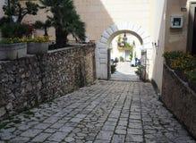 Il villaggio antico di San Felice Circeo in Italia centrale fotografia stock