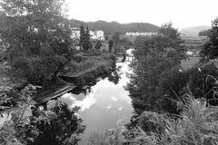 Il villaggio dell'acqua di sixi in contea wuyuan, immagine in bianco e nero fotografia stock libera da diritti