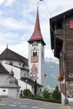 Il villaggio di Burglen sulle alpi svizzere Fotografia Stock Libera da Diritti