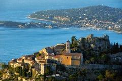 Il villaggio di Eze Èze ad alba Alpes-Maritimes, Riviera francese, ` Azur, Francia di Cote d Immagine Stock