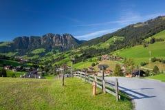 Il villaggio di Inneralpbach in valle di Alpbach, Austria Immagine Stock