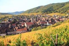Il villaggio di Riquewihr nell'Alsazia Immagine Stock