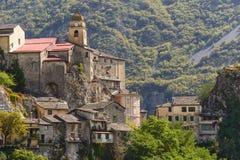 Il villaggio di Saorge, Alpes-Maritimes, Provenza Fotografie Stock