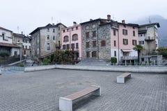 Il villaggio di Sonvico sulla zona italiana della Svizzera Fotografia Stock Libera da Diritti