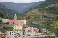 Il villaggio di Vernazza sulla costa ligura fotografia stock