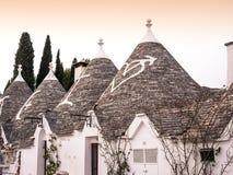 Il villaggio famoso di Trulli in Alberobello, Puglia fotografia stock libera da diritti