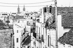 Il villaggio famoso di Trulli in Alberobello, Puglia fotografie stock