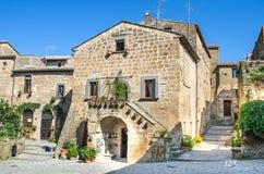 Il villaggio italiano di Bagnoregio alloggia - il Lazio - l'Italia Fotografie Stock Libere da Diritti