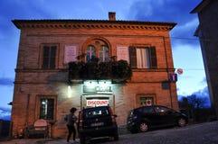 Il villaggio medievale di Monte San Martino in Italia centrale fotografie stock libere da diritti