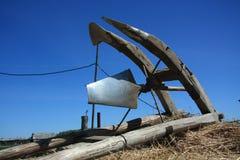 Il villaggio nell'entroterra russa Il carretto che porta l'aratro Immagine Stock Libera da Diritti