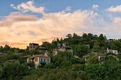 Il villaggio pittoresco di Parthenonas, in Sithonia, Chalkidiki, Grecia Fotografia Stock Libera da Diritti