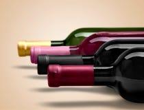 Il vino imbottiglia la fila su fondo leggero Fotografia Stock Libera da Diritti