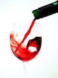 Il vino rosso versa? Immagini Stock Libere da Diritti