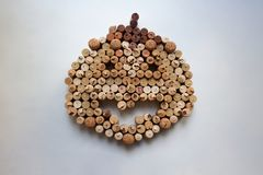 Il vino tappa la composizione nell'estratto della zucca di Halloween immagine stock libera da diritti