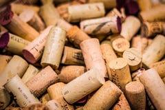 Il vino tappa la priorit? bassa fotografie stock libere da diritti