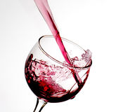 Il vino versa immagini stock