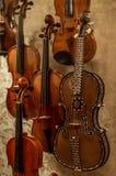 Il violino di legno è strumento musicale molto speciale Fotografia Stock