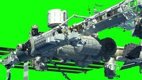 Il volo della Stazione Spaziale Internazionale sopra la terra royalty illustrazione gratis