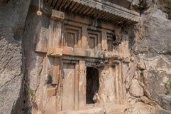 Il y a également des enterrements antiques de Lycian dans la montagne photos libres de droits