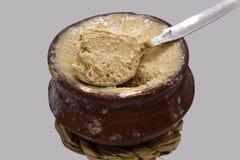 Il yogurt, Dahi di Meethi, è un doi dolce fermentato che proviene dalla regione del Bengala dell'indiano immagini stock