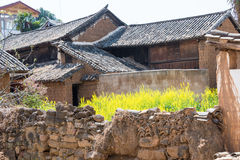 IL YUNNAN, CINA - 20 MARZO 2015: Villaggio antico di Shaxi un ANC famoso Fotografia Stock