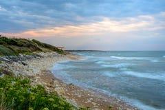 Ile d'Oleron,在日落的法国海岸线,海的夏朗德省 免版税库存照片