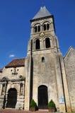 Ile de France, die historische Kirche von Morienval Lizenzfreie Stockbilder