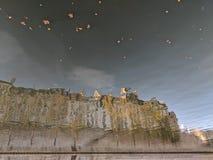 Ile de la Citera reflekterade i Seinen arkivbilder