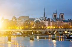 Ile de los angeles i notre paniusia de Paryski Cathedrale cytujemy, Francja Zdjęcia Royalty Free
