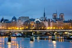 Ile de los angeles i notre paniusia de Paryski Cathedrale cytujemy, Francja Obrazy Royalty Free