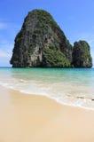 Ilha bonita da praia e da pedra calcária Foto de Stock