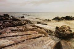Ilha com rochas Fotografia de Stock