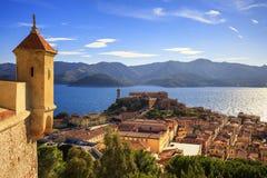 Ilha da Ilha de Elba, opinião aérea de Portoferraio do forte Farol e Imagem de Stock