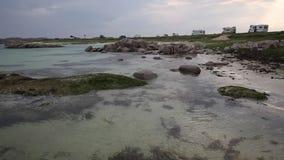 Ilha da praia escocesa bonita Mull Escócia em Fidden perto de Iona popular para motorhomes video estoque