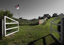 Ilha de bloco, portas da exploração agrícola Imagem de Stock Royalty Free